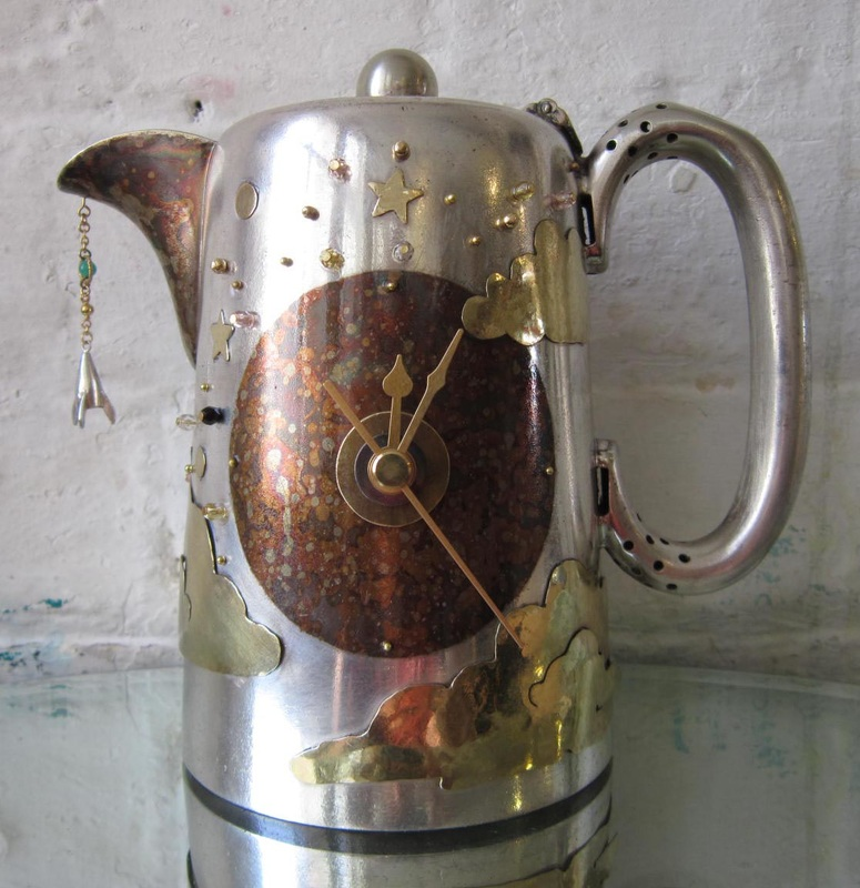 teapot-clock-sculptures (8)